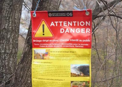 Et avertissement aux éventuels promeneurs présents sur le site
